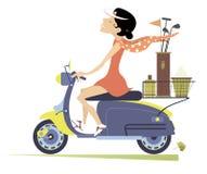 La donna sorridente guida il motorino e va giocare l'illustrazione isolata il golf illustrazione vettoriale