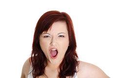 La donna sta gridando alto fuori Fotografie Stock