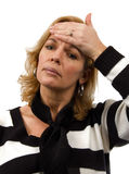 La donna sta sentendosi male sopra fondo bianco Fotografie Stock Libere da Diritti