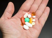 La dose quotidienne de pilules photo stock