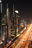 La Doubai alla notte Fotografia Stock