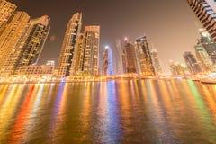 La Dubai - 10 gennaio 2015: distretto del porticciolo sopra Fotografie Stock Libere da Diritti