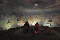 La Edad de Piedra Pasillo en el museo histórico de Sughd en la ciudad de Khujand, Tayikistán foto de archivo libre de regalías