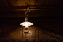 La ejecución ligera de la electricidad de la lámpara adorna el diseño interior casero Imagenes de archivo