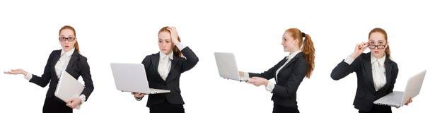 La empresaria con el ordenador portátil aislado en blanco fotos de archivo libres de regalías