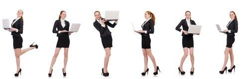 La empresaria con el ordenador portátil aislado en blanco fotos de archivo