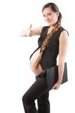 La empresaria embarazada con la computadora portátil con el dedo muestra el positivo Foto de archivo