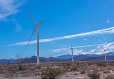 La energía eólica es energía limpia fotografía de archivo