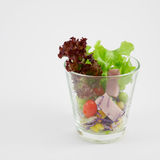 La ensalada de la verdura y del jamón foto de archivo