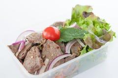 Tailandés llévese la comida, ensalada tailandesa de la carne de vaca fotos de archivo libres de regalías