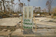 La entrada a contener destruyó totalmente por el huracán Ivan en Pensacola la Florida fotos de archivo