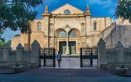 La entrada de la catedral Foto de archivo libre de regalías