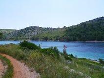 La entrada de la bahía ocultada de Lastovo Fotos de archivo