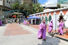 La entrada de la mezquita famosa Kuala Lumpur Fotos de archivo