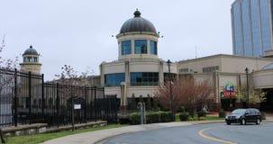 La entrada de Nova Scotia Casino en Halfax, Canadá 4K almacen de metraje de vídeo