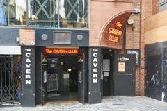 La entrada del club de la caverna Foto de archivo libre de regalías