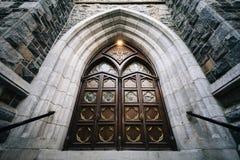 La entrada a la iglesia de St Mary, en New Haven, Connecticut Imágenes de archivo libres de regalías