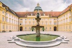 La entrada principal de la abadía del monasterio de Melk en Austria, Europa Imágenes de archivo libres de regalías