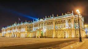 La ermita en la opinión de la noche del invierno de St Petersburg Foto de archivo libre de regalías