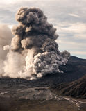 La erupción del volcán de Bromo Imagen de archivo
