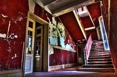 La escalera abandonada imagen de archivo libre de regalías