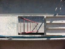 La escalera del andamio con el sol 2 foto de archivo