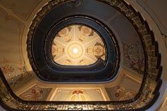 La escalera en el museo de arte Nouveau Imagenes de archivo