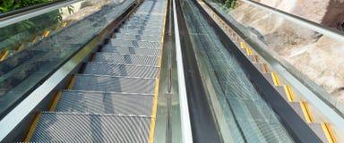 La escalera móvil es una escalera móvil Fotos de archivo