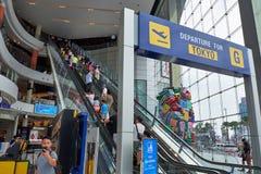 La escalera móvil más alta en el terminal 21 Pattaya imagen de archivo libre de regalías