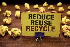 La escritura del texto de la escritura reduce la reutilización recicla Las maneras del significado del concepto pueden eliminar l Fotografía de archivo libre de regalías