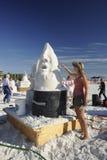 La escultora de la arena utiliza la paleta Imagen de archivo