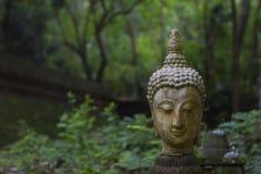 La escultura de la cabeza de Buda Imagenes de archivo
