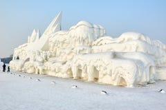 La escultura de nieve - viviendas Foto de archivo