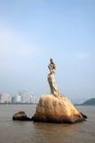 La escultura de Zhuhai Fisher Girl de la costa del camino de los amantes de Zhuhai tiene gusto Foto de archivo