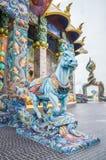 La escultura del caballo fue adornada con la teja esmaltada Fotografía de archivo
