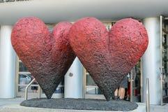 La escultura icónica del ` de los corazones del ` del gemelo 6 del ` Fotografía de archivo