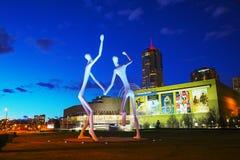 La escultura pública de los bailarines en Denver Imagen de archivo libre de regalías