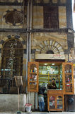 La especia hace compras en los bazares de Damasco, Siria Imagen de archivo