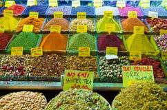 La especia y el té hacen compras en bazar egipcio de la especia Fotografía de archivo