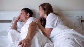 La esposa pide perdón de su marido metrajes