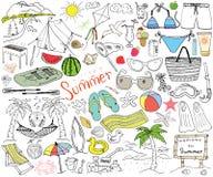 La estación de verano garabatea elementos Foto de archivo