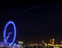 La estación espacial internacional sobre Londres Fotos de archivo