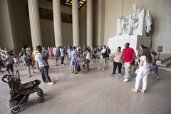 La estatua de Abraham Lincoln asentó a Lincoln Memorial, Washington DC Imágenes de archivo libres de regalías