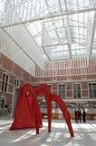 La estatua de Alexander Calder en Rijksmuseum Foto de archivo