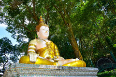 La estatua de Buda es hermosa Fotografía de archivo libre de regalías