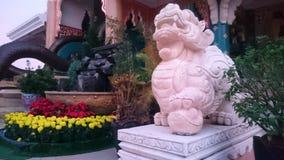 La estatua de Buda es sagrada Adoración en budismo Imagen de archivo