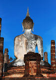 La estatua de Buda es Sukhothai en Tailandia imagen de archivo libre de regalías