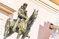 La estatua de Giuseppe Garibaldi en el caballo, Genoa Piazza de Ferrari, en el centro de Génova, Liguria, Italia [t foto de archivo