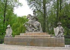 La estatua de Jan Sobieski en el parque de Lazienki Monumento de Sobieski en Varsovia polonia fotografía de archivo libre de regalías