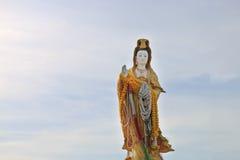 La estatua de la diosa Guanyin Fotos de archivo